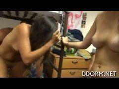 Vídeo de sexo dentro do quarto da faculdadea