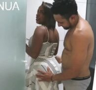 Videos de bucetas - Casada mostra a xota e libera no porno amadora